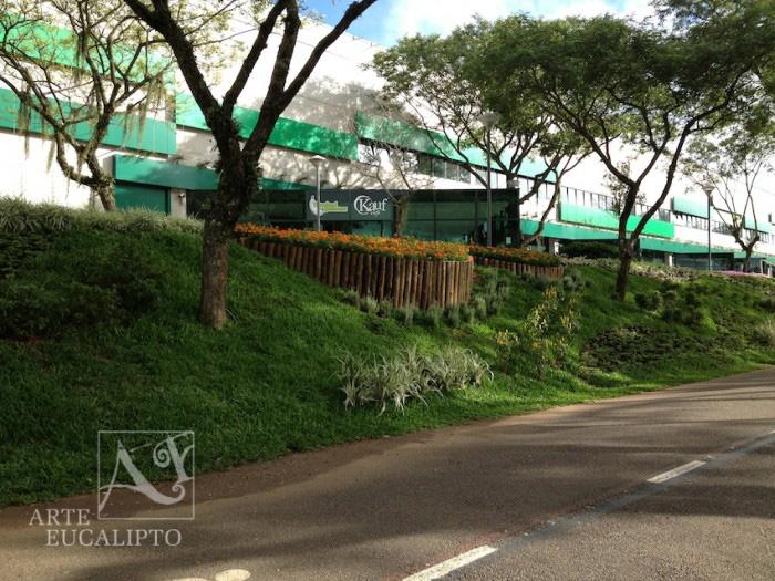 Arrimo , contenção ,floreira , parque Barigui , Curitiba  - Pr