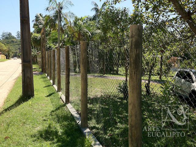 cerca de eucalipto tratado para jardim : cerca de eucalipto tratado para jardim:Veja abaixo uma seleção de cercas, portais, portões e arrimos que
