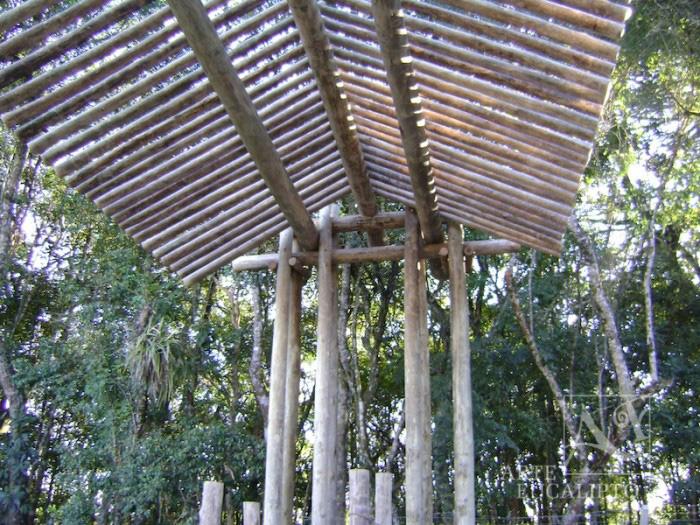 Portal em troncos de Eucalipto Autoclavado Sindicato , Colombo - Pr