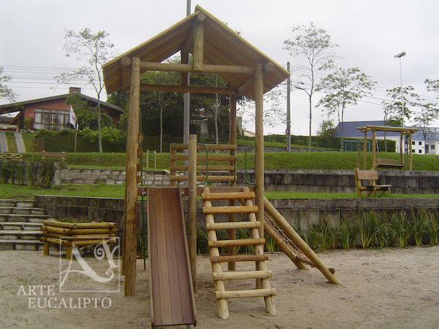 Playground praça