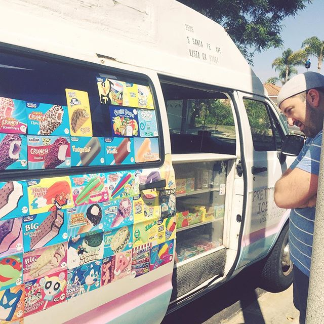 Ice cream delivered straight to our door on #nationalicecreamday #tplusc 💗🍨🍦