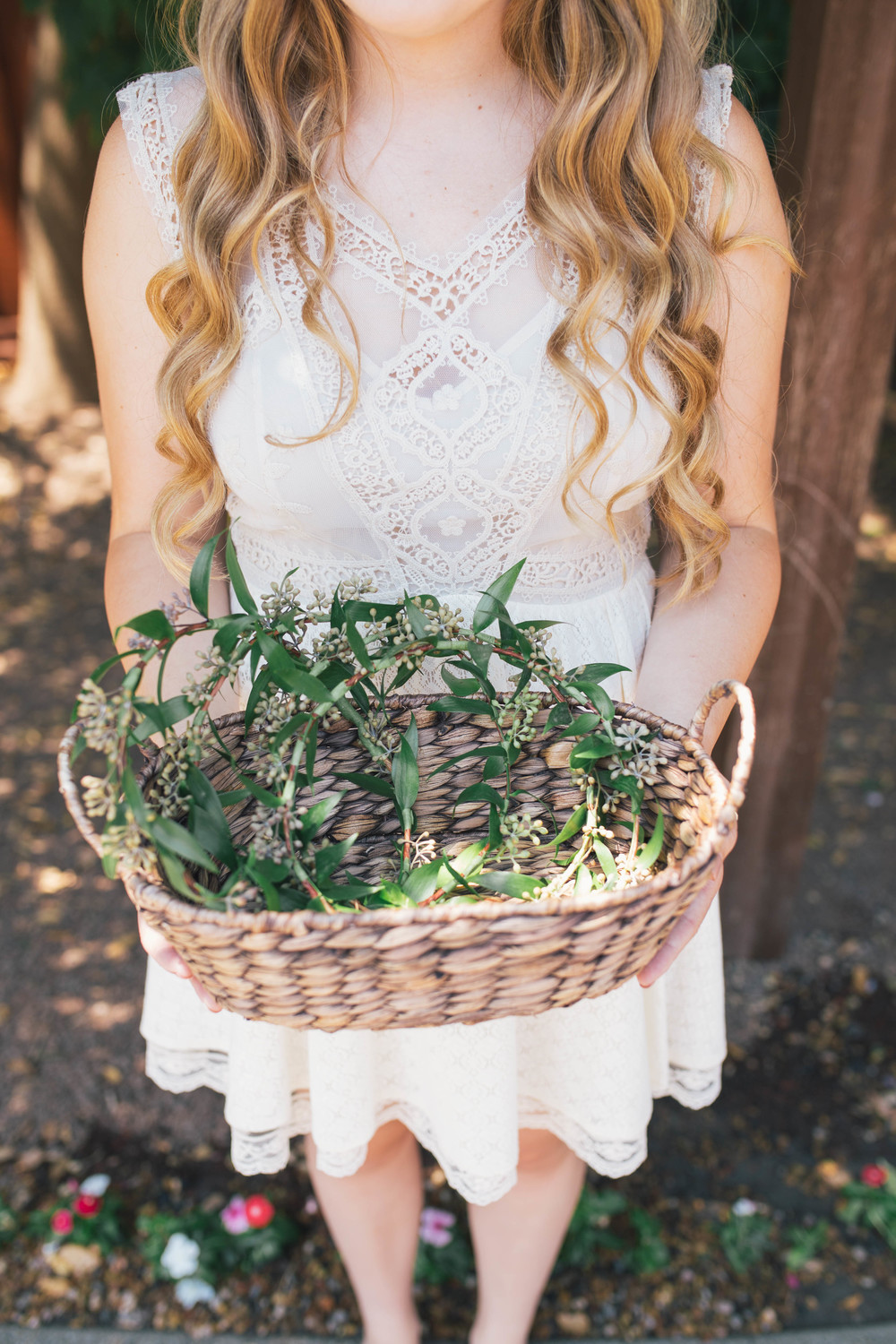 sonoma-county-wedding-photographer-details-backyard-flower-crowns