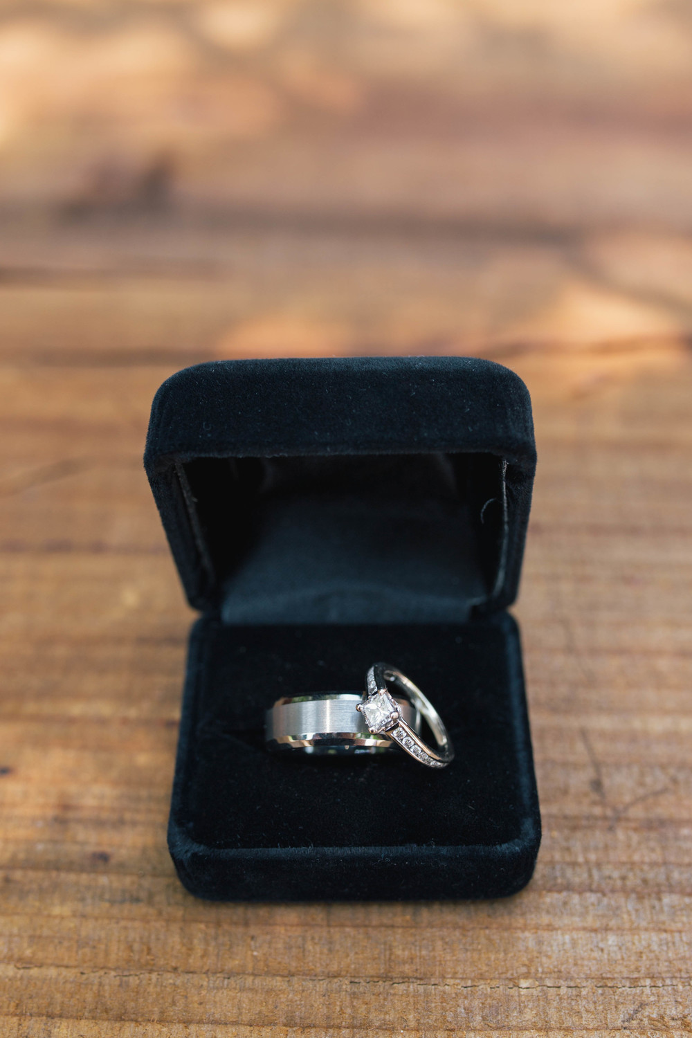sonoma-county-wedding-photographer-details-backyard-rings-wood