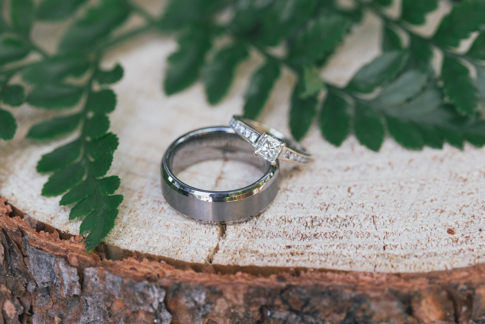 sonoma-county-wedding-photographer-details-backyard-rings-wood-rustic