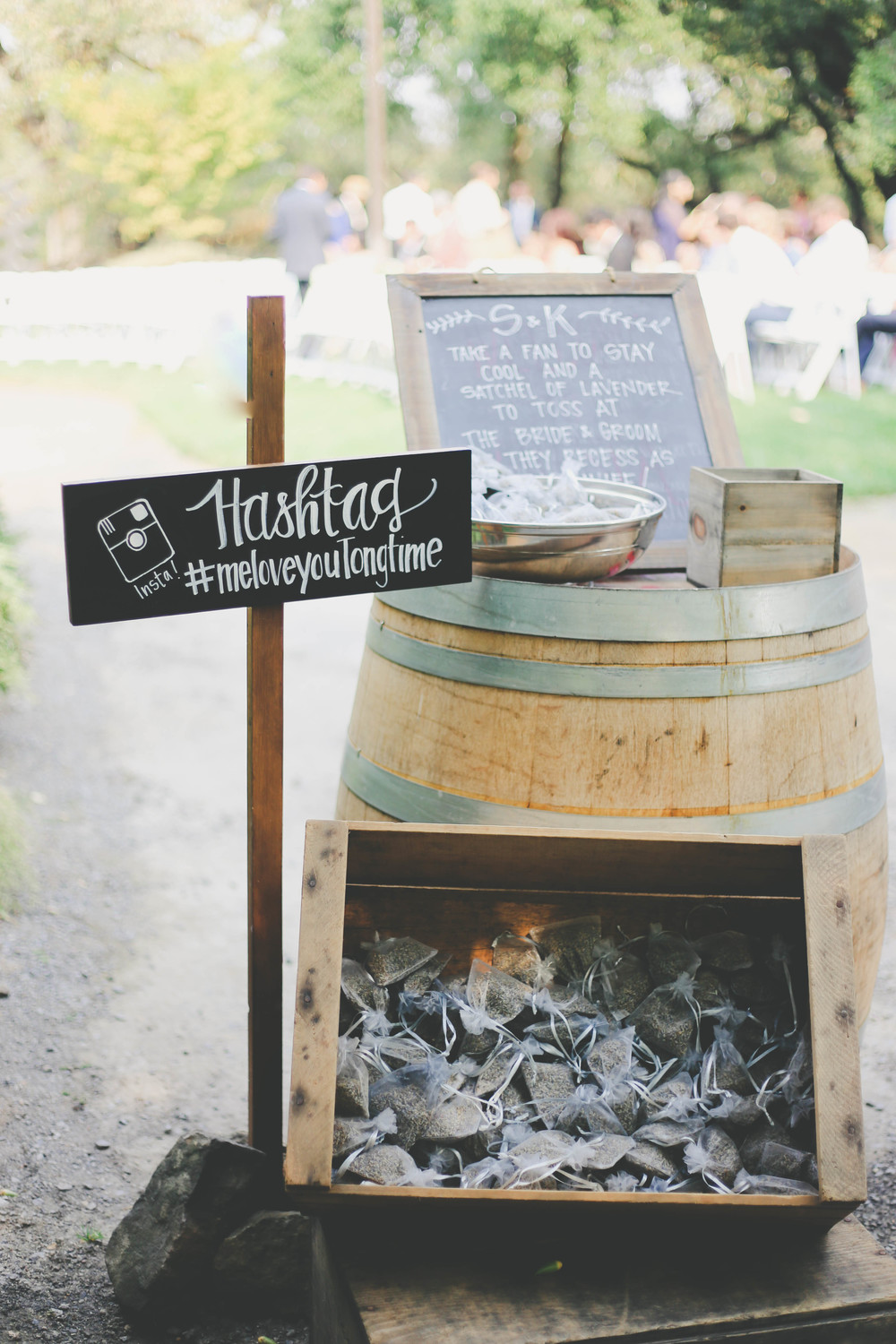 sonoma-county-wedding-photographer-sign-arista-winery