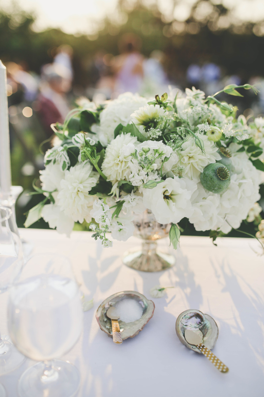 sonoma-county-healdsburg-wedding-photographer-table-centerpiece-arista-winery