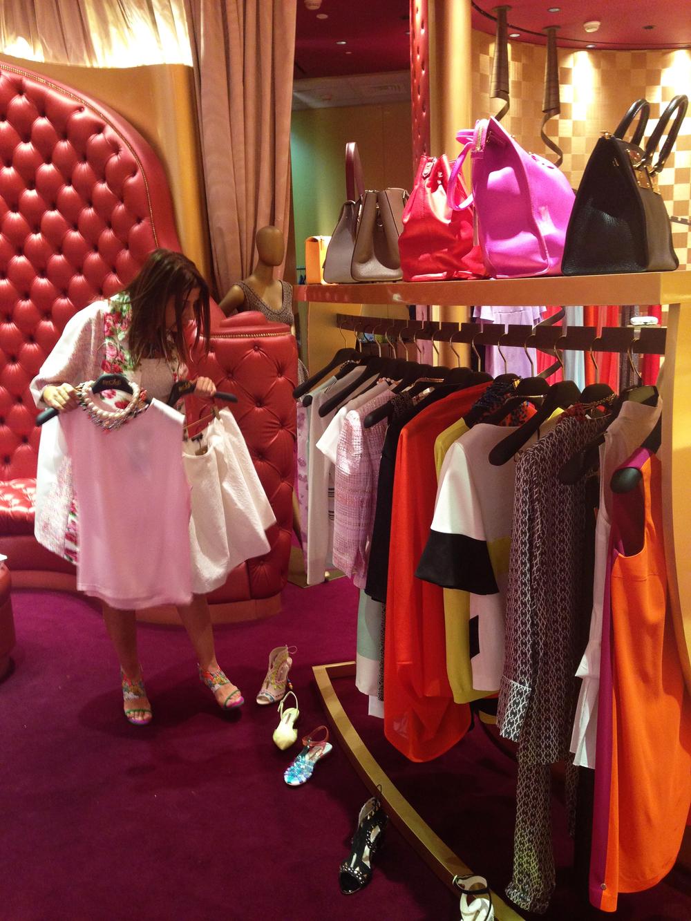 etoile_personal shopping2.jpg