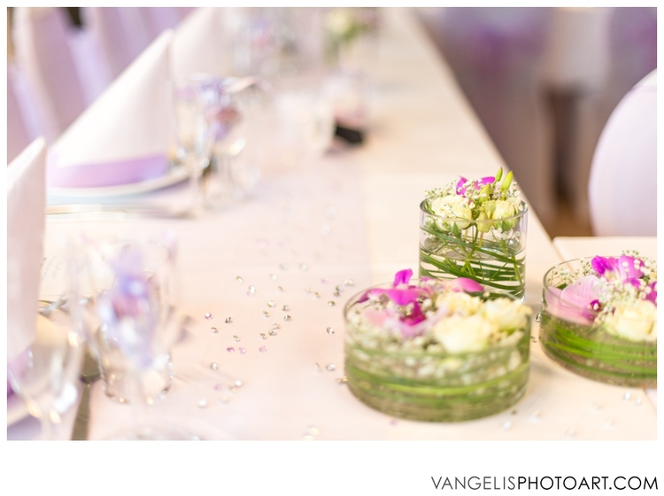 All the decoration on the tables is a great example of DIY and made by the bride of the wedding Marte.