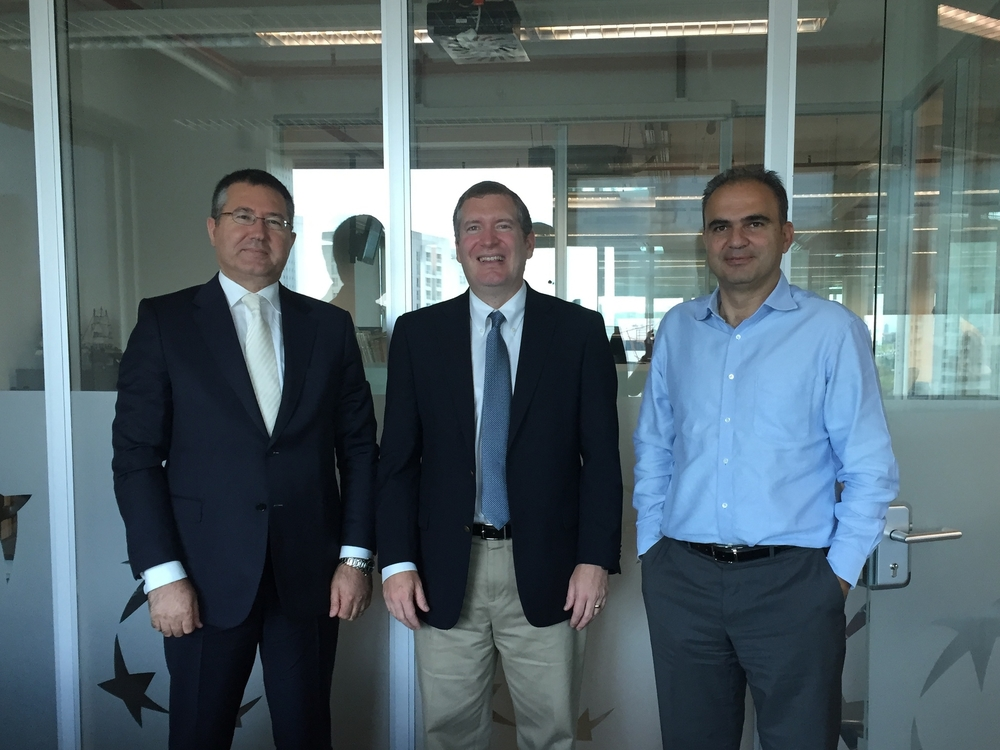 John Lunt with Ali Koc, Managing Director of Kocunix (left) and Selim Cakir, Chief Economist Turkish Economy Bank (right)