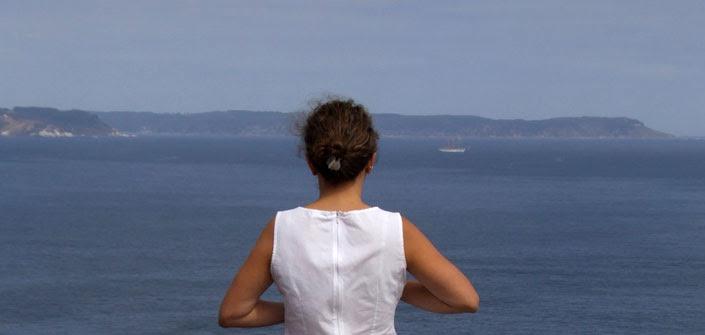 mirando el mar.jpg