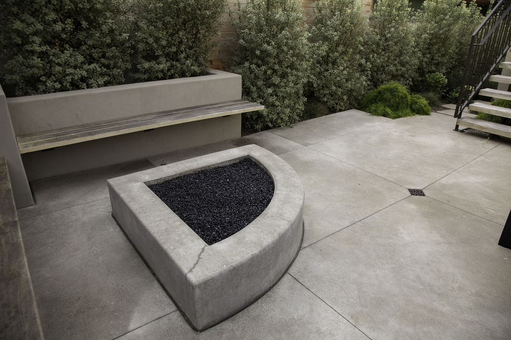Design by Jeffrey Gordon Smith | Concrete Work by O'Shea  Construction