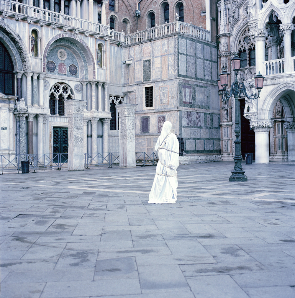 sculpture_venice_9_right_colour_WEB.jpg