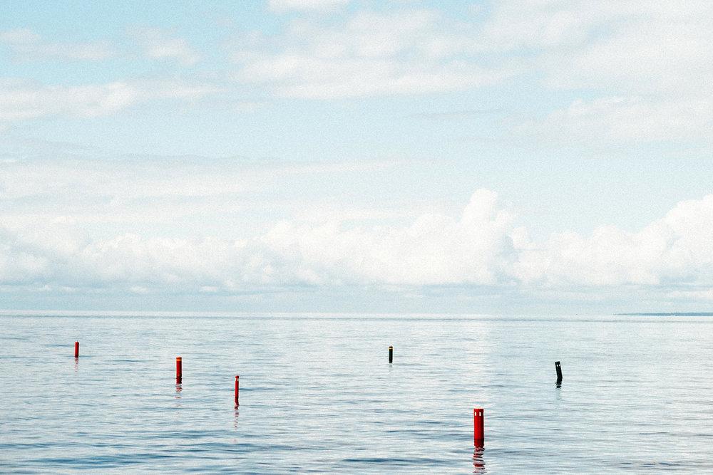 FUJI_XPro1_56_lake-buoys_XP1C0763_1800.jpg