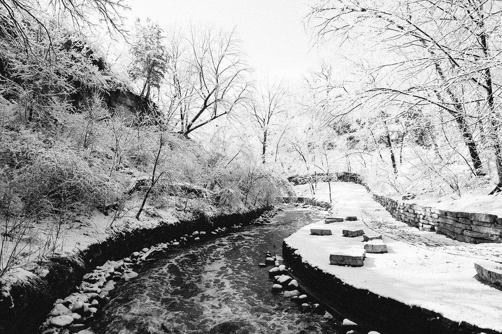 FUJI_XPro1c_14_minneapolis-winter-river-road-3979_1800.jpg