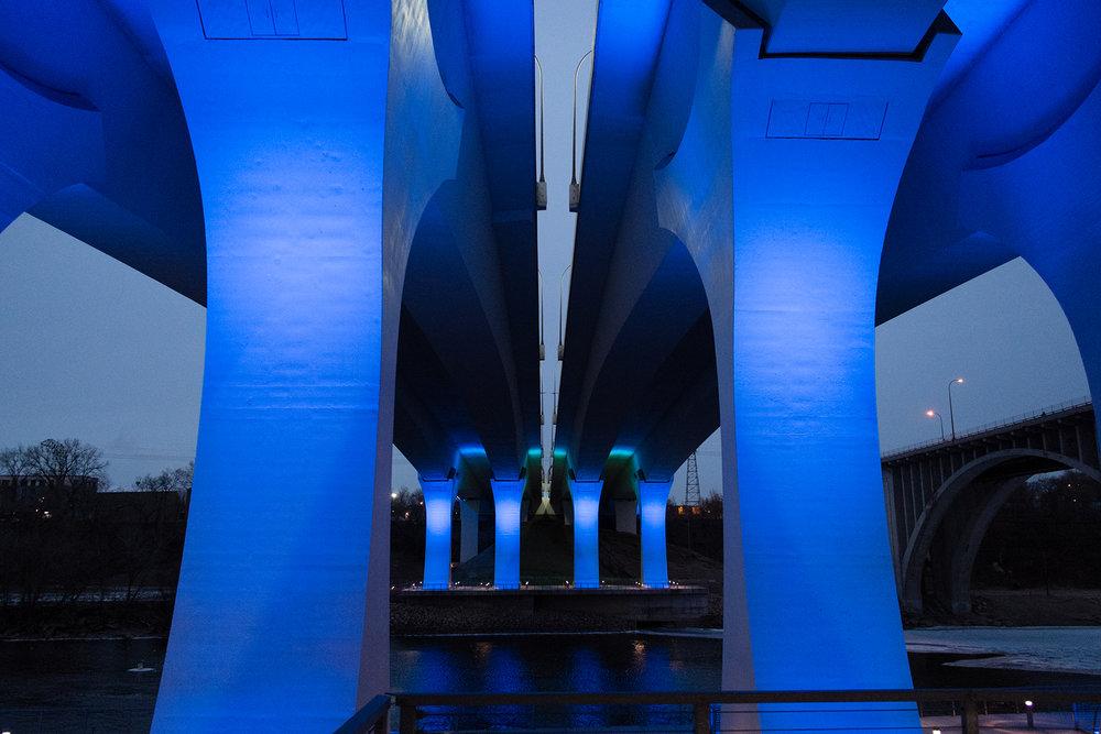 FUJI_XPro1a_18_blue-bridge-minneapolis-2218_1800.jpg