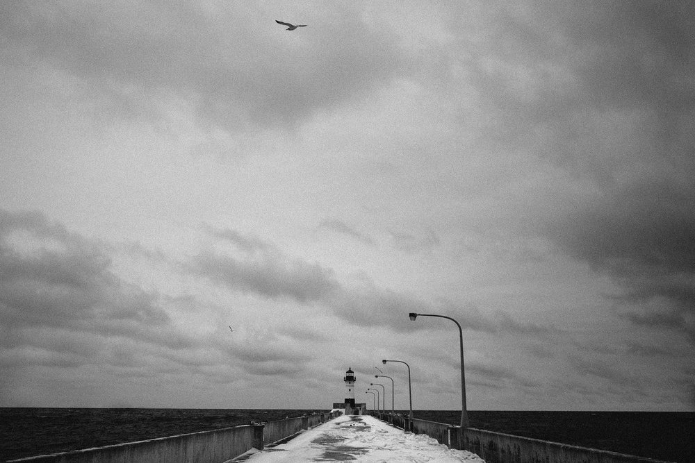 OLYMPUS_EM5II_17_duluth_minnesota_lighthouse_neopan1600_1800.jpg