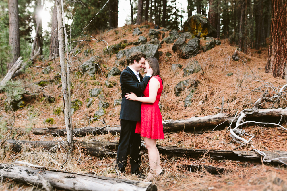 Dean and Carrie- Bend, Oregon Engagement- Hurtienne Photography (11)