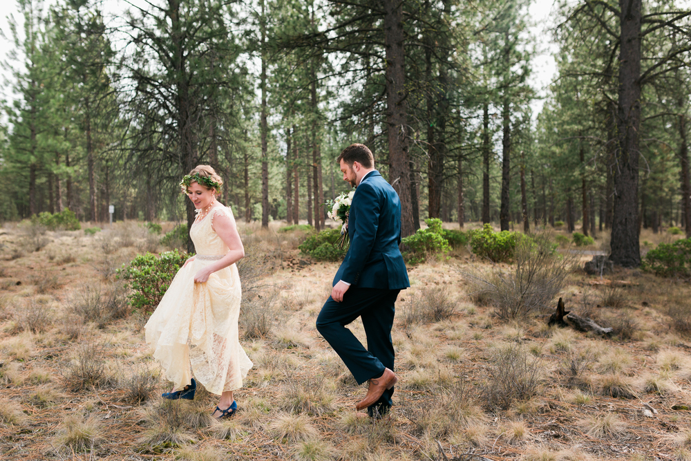 Sam and Cody- Bend Oregon Wedding- High Desert Museum (8)
