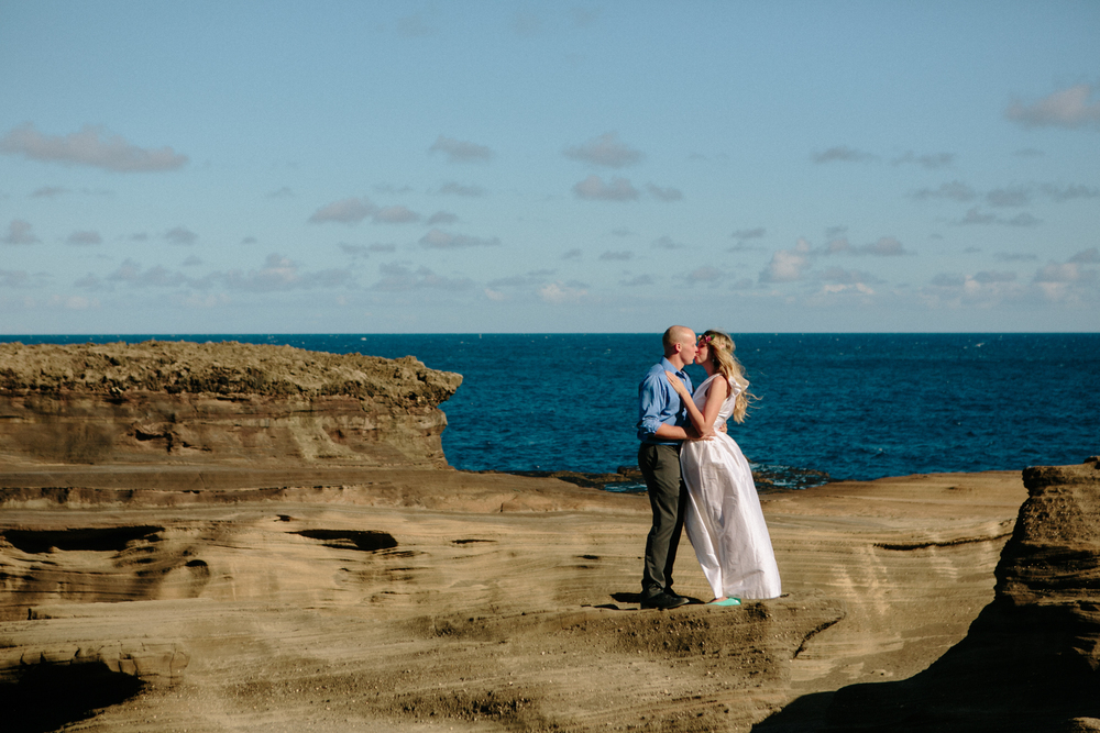 Oahu Wedding Photographer- Hawaii Destination Wedding- kahauloa cove- Grace and Jaden Hurtienne Photography (4).jpg