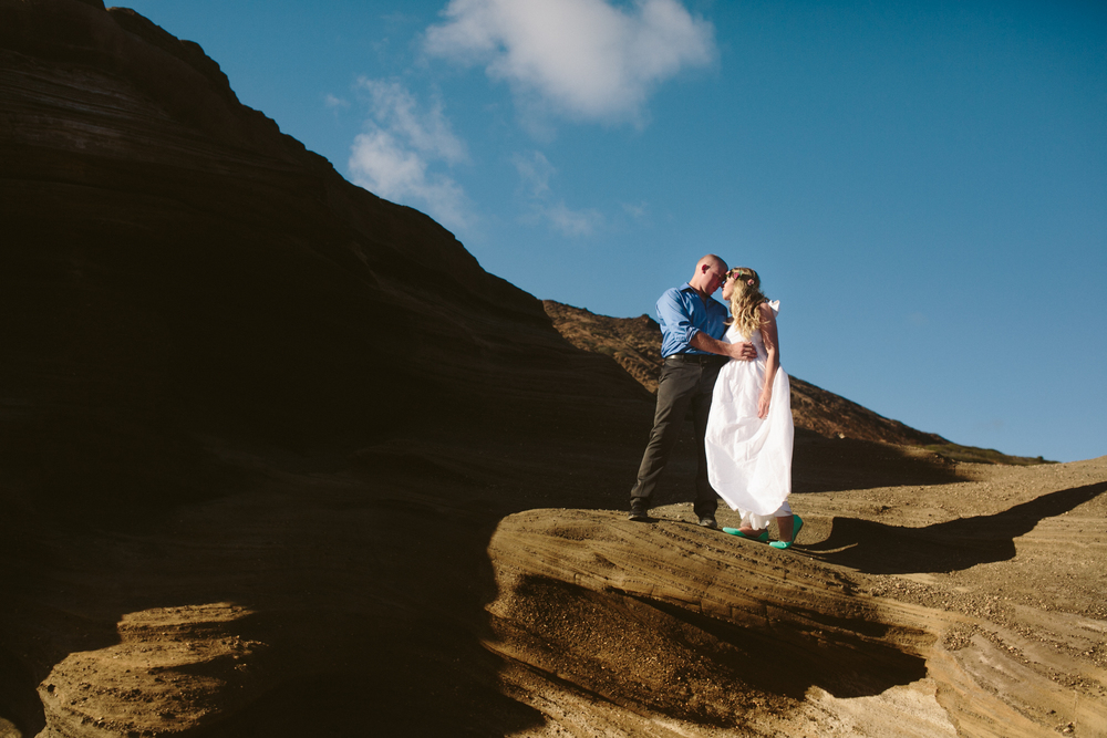Oahu Wedding Photographer- Hawaii Destination Wedding- kahauloa cove- Grace and Jaden Hurtienne Photography (14).jpg