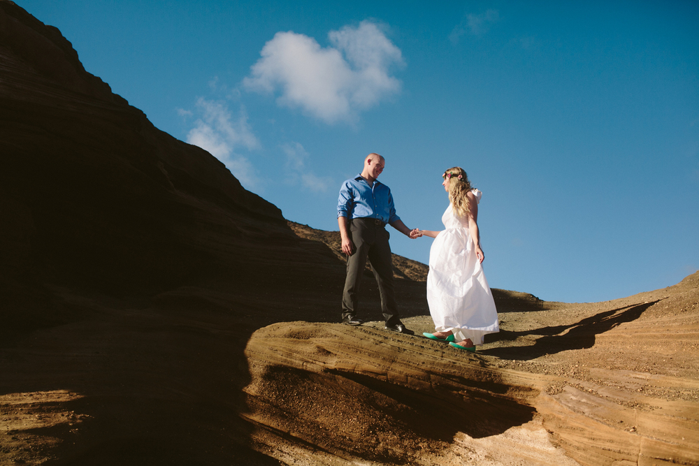 Oahu Wedding Photographer- Hawaii Destination Wedding- kahauloa cove- Grace and Jaden Hurtienne Photography (13).jpg