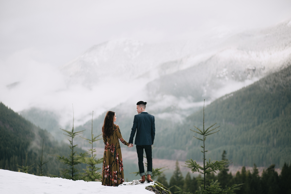 Portland Oregon Engagement Photgraphy- Detroit Lake (21).jpg