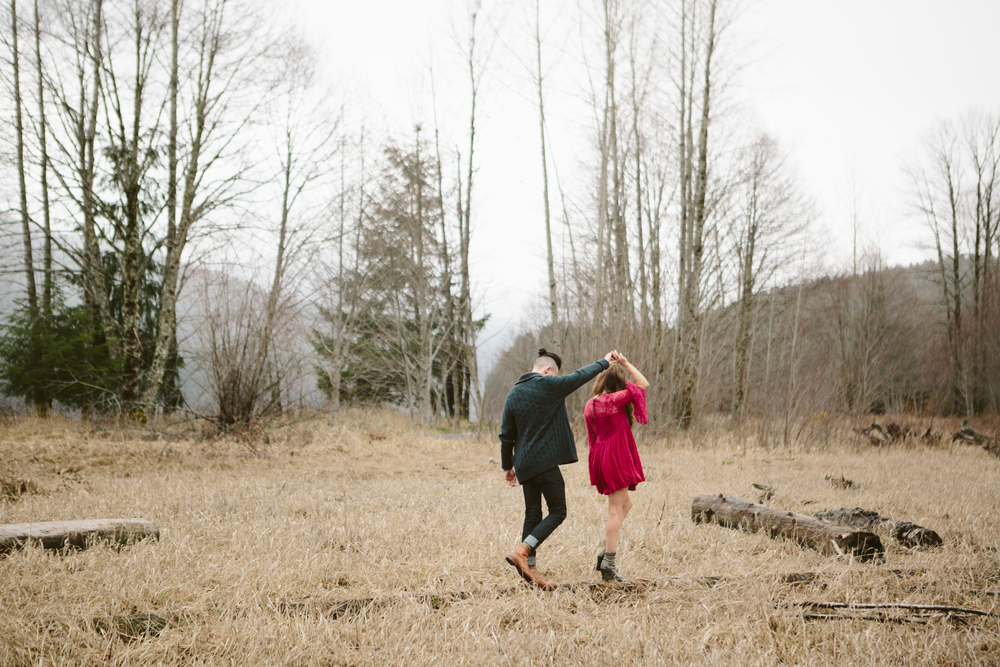 Portland Oregon Engagement Photgraphy- Detroit Lake (2).jpg