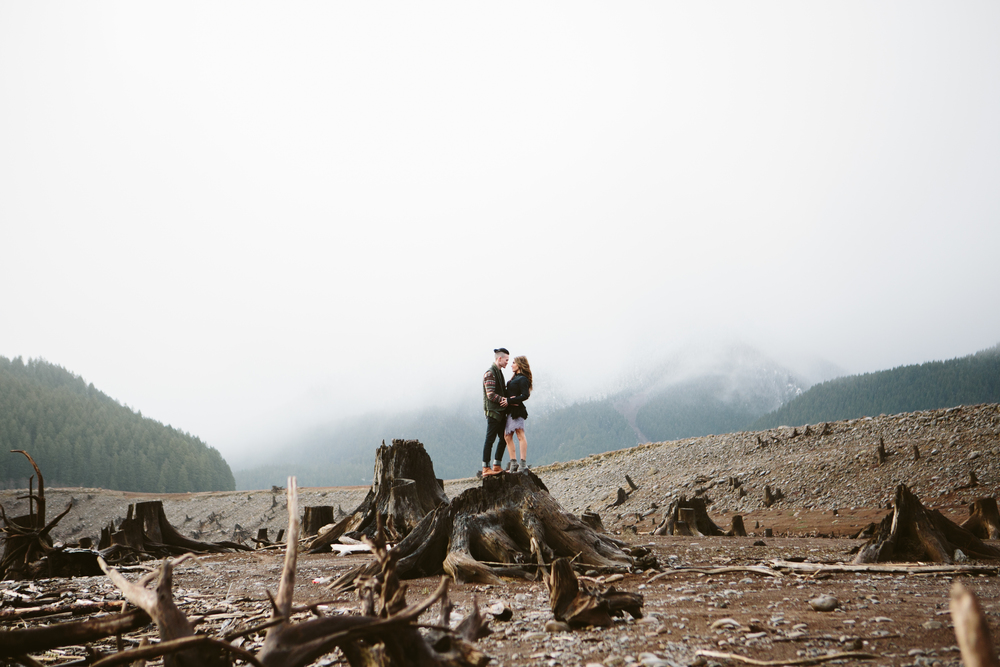 Portland Oregon Engagement Photgraphy- Detroit Lake (12).jpg