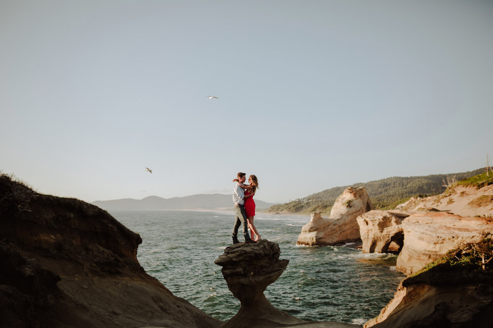 Best Places to Elope In Oregon- Cape Kiwanda Pacific City Oregon (3)sd.jpg