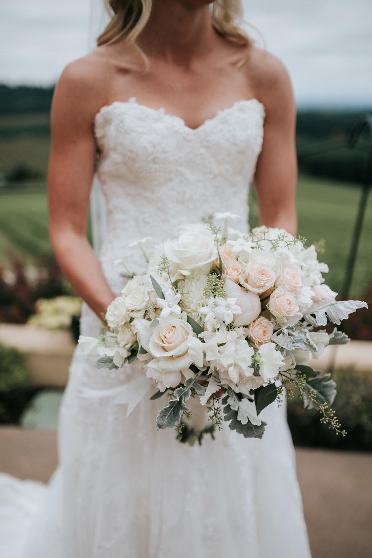 Willamatte Valley Vineyard Wedding- Grace and Jaden Photography (15).jpg