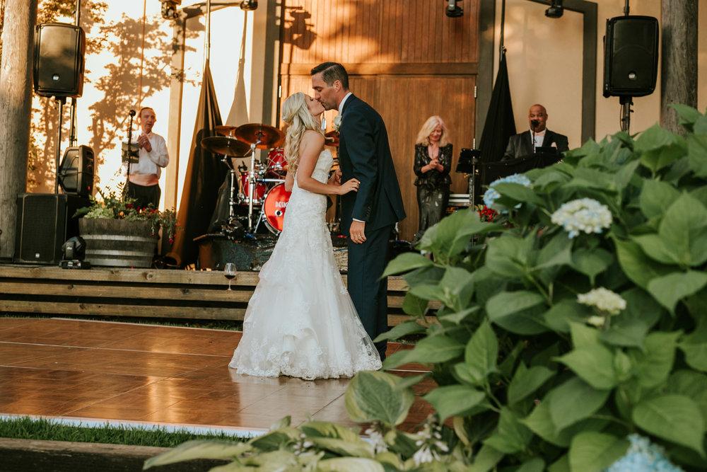 Willamatte Valley Vineyard Wedding- Grace and Jaden Photography (57).jpg