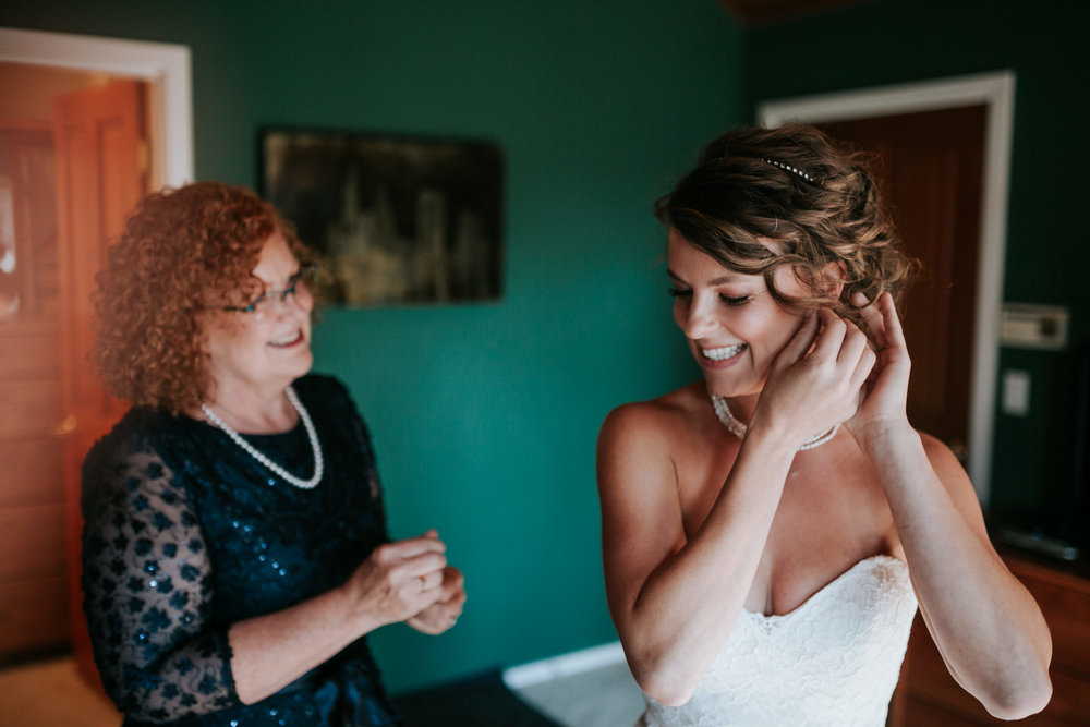 Sunriver Oregon Backyard Intamate Wedding- Grace and Jaden Photography (26).jpg