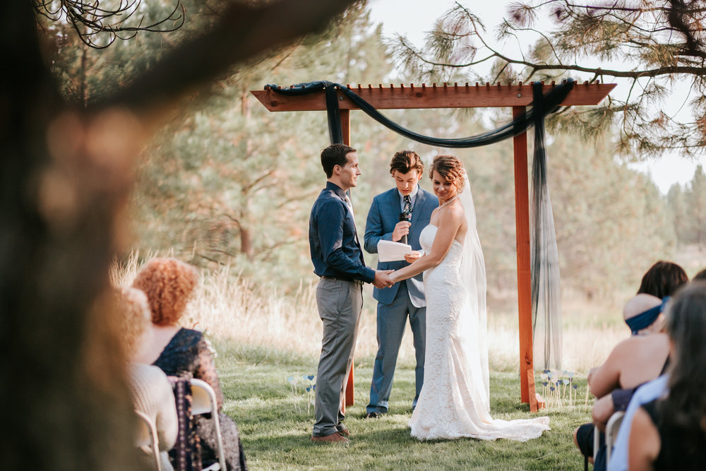 Sunriver Oregon Backyard Intamate Wedding- Grace and Jaden Photography (69).jpg