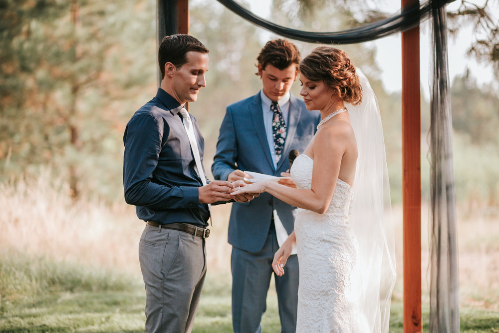 Sunriver Oregon Backyard Intamate Wedding- Grace and Jaden Photography (71).jpg