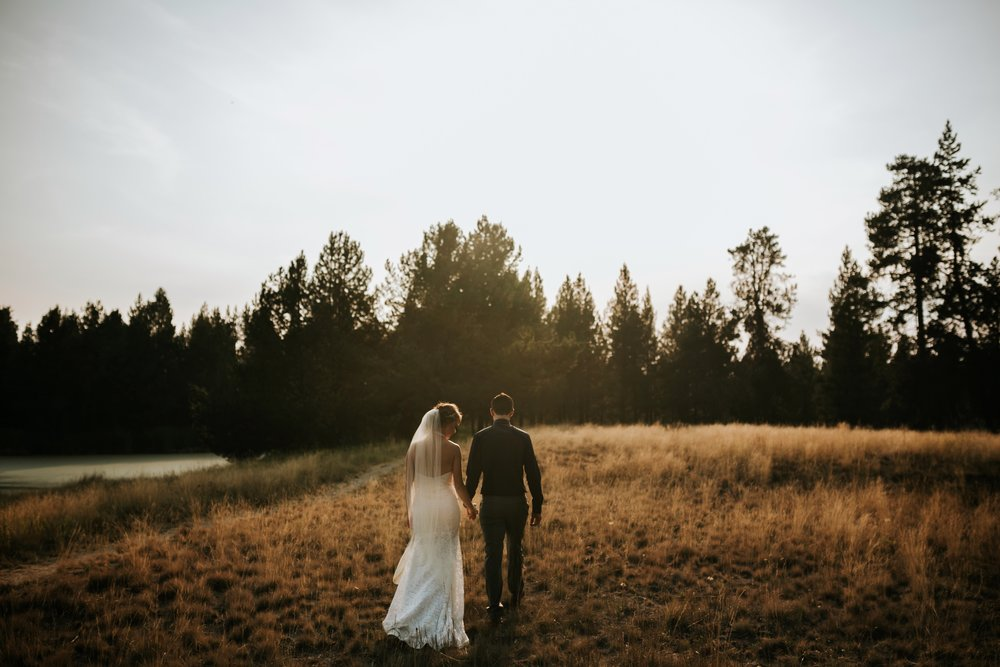 Sunriver Oregon Backyard Intamate Wedding- Grace and Jaden Photography (82).jpg