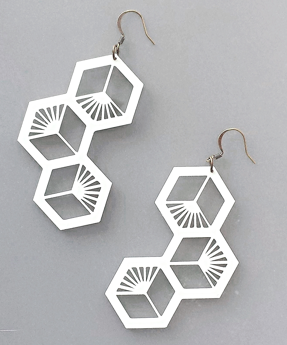 honeycomb WHITE antique gold 3.18.15 grey.jpg