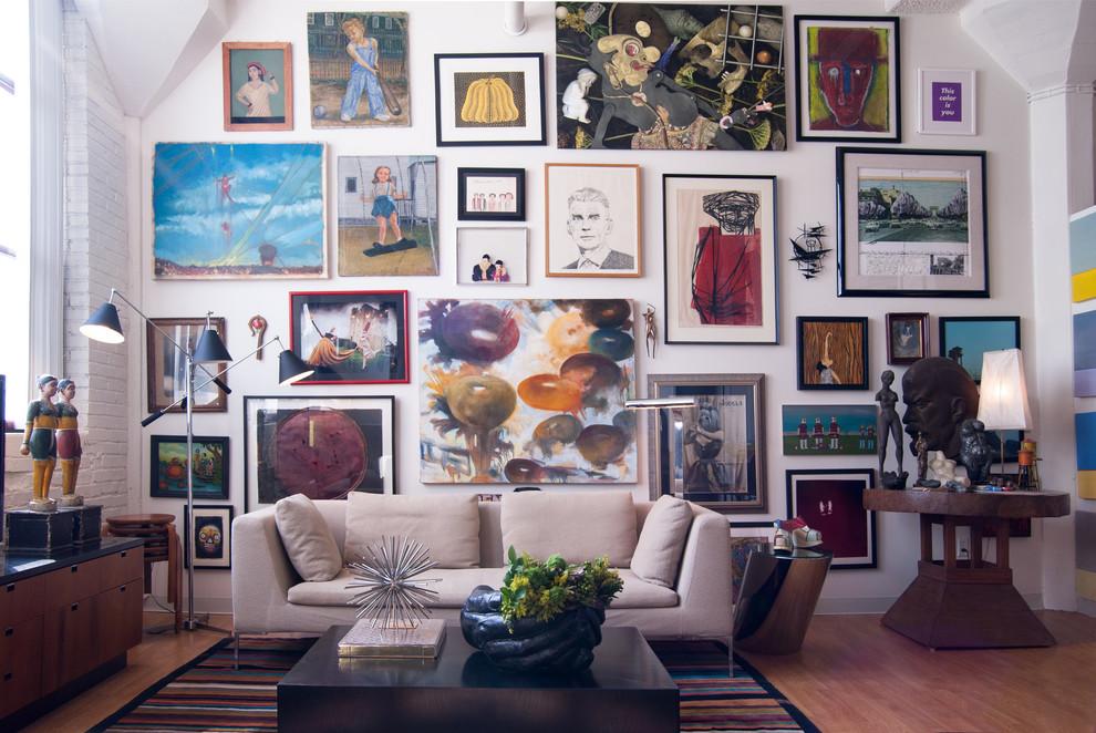 Cataloguing — Art takes manhattan
