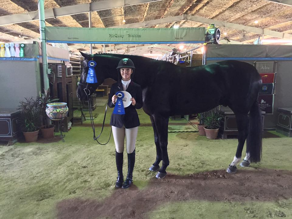 Hannah picks up the win in both 3' Pre-Green over fences classes on Bernadette Mulliken's Kaspar.