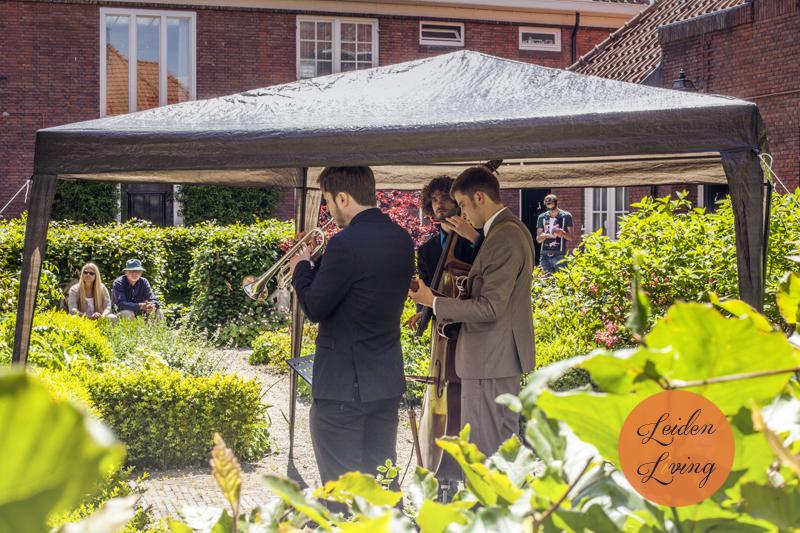 24-05-15_Leidse Hofjesconcerten -Black Tie Trio 2.jpg