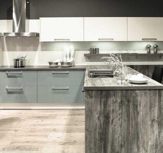 wood texture kitchen trend imm cologne livingkitchen 2013 the kitchen designer. Black Bedroom Furniture Sets. Home Design Ideas