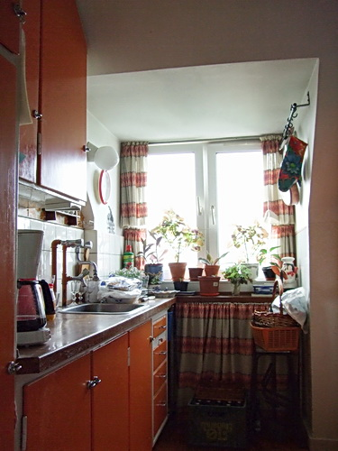 Orange%20kitchen%204.jpg