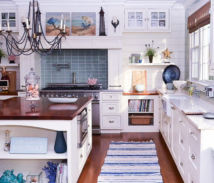 white kitchen with swedish rug