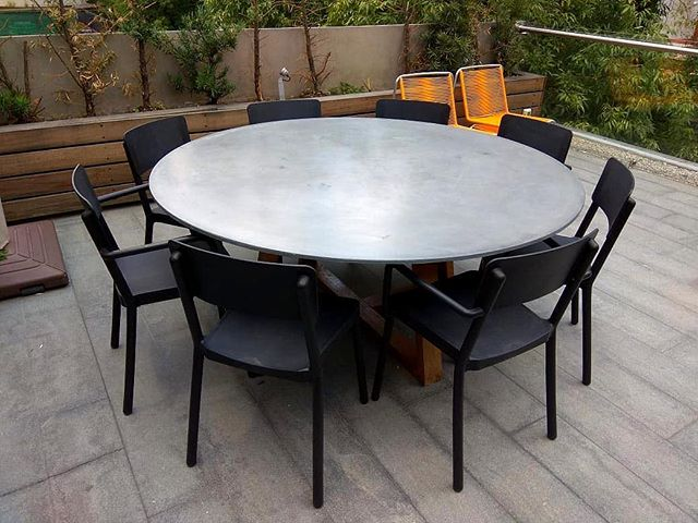 A momo table in a modern terrace