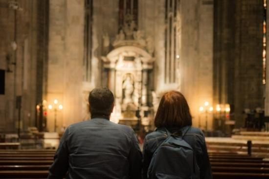 couple-church-1062x708.jpg