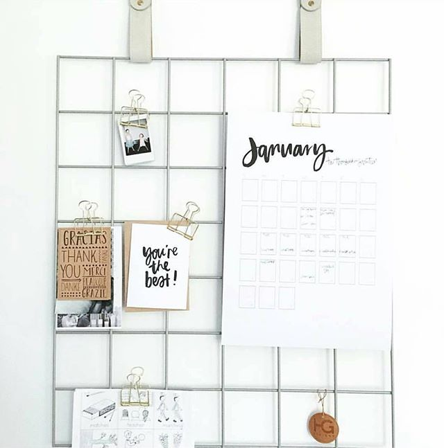 A beautiful, minimalist alternative to the traditional cork board. And the straps are interchangeable! From @h_and_g_designs #workspacegoals