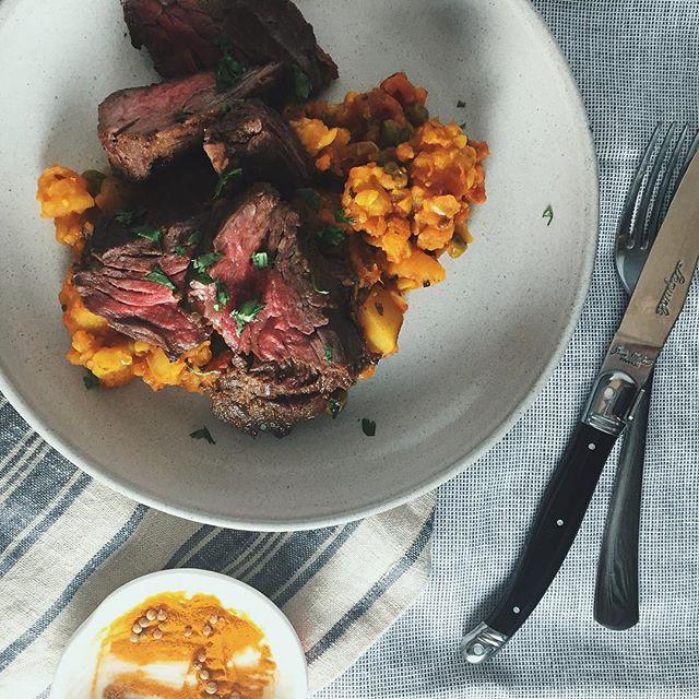 Cooking with tumeric will help with the flu, right mom? (📷: tandoori steak + aloo ghobi) #momwhereareyou #glutenfree #paleo