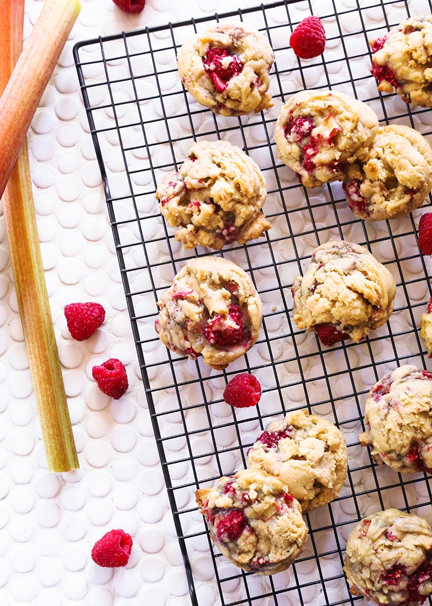 reciperhubarbraspberrycookies.jpg