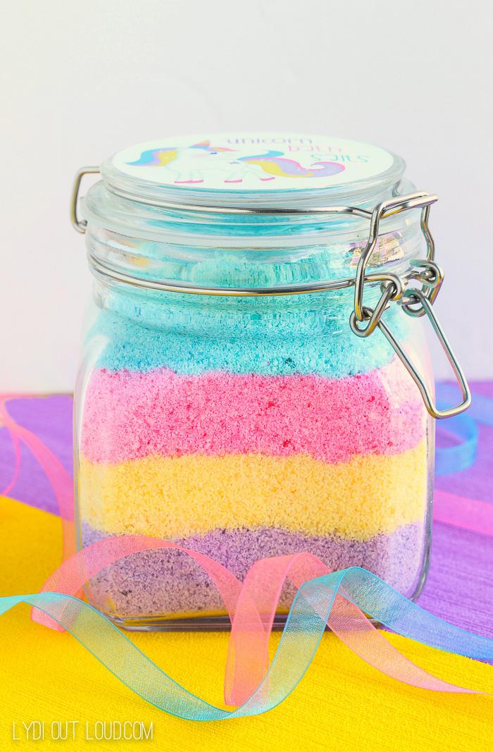 unicorn-fizzy-bath-salts-lydioutloud.jpg