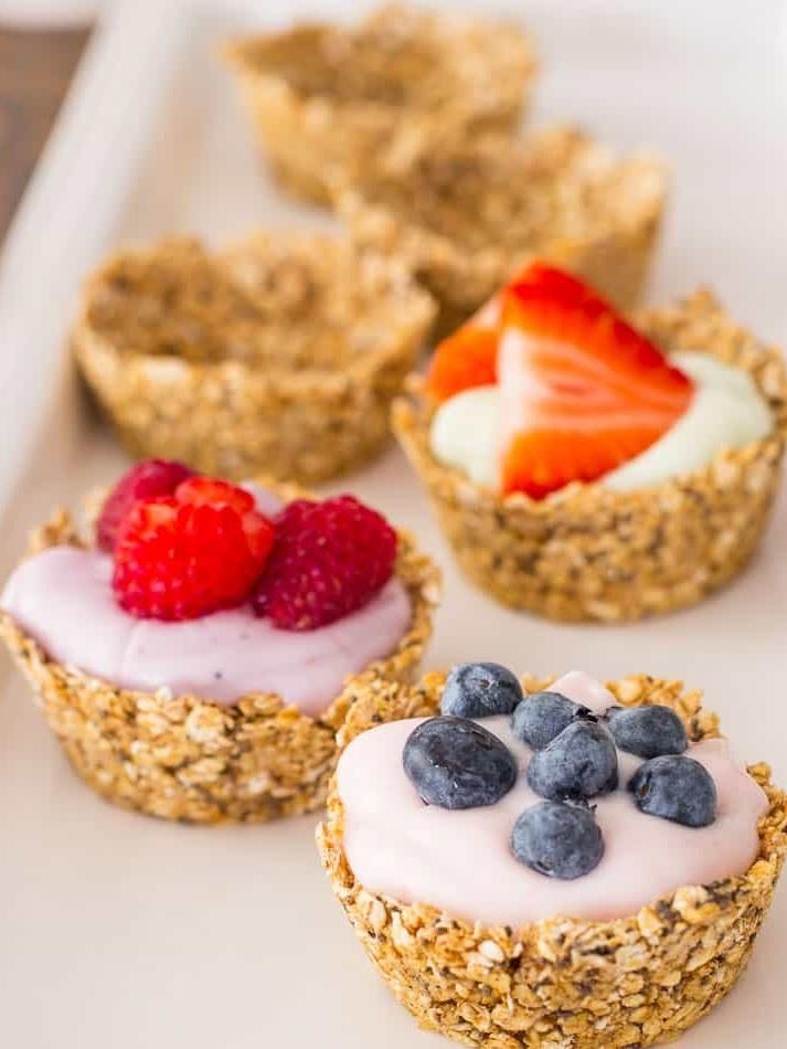 Oatmeal-Cups-with-Yogurt-and-Fruit-3.jpg