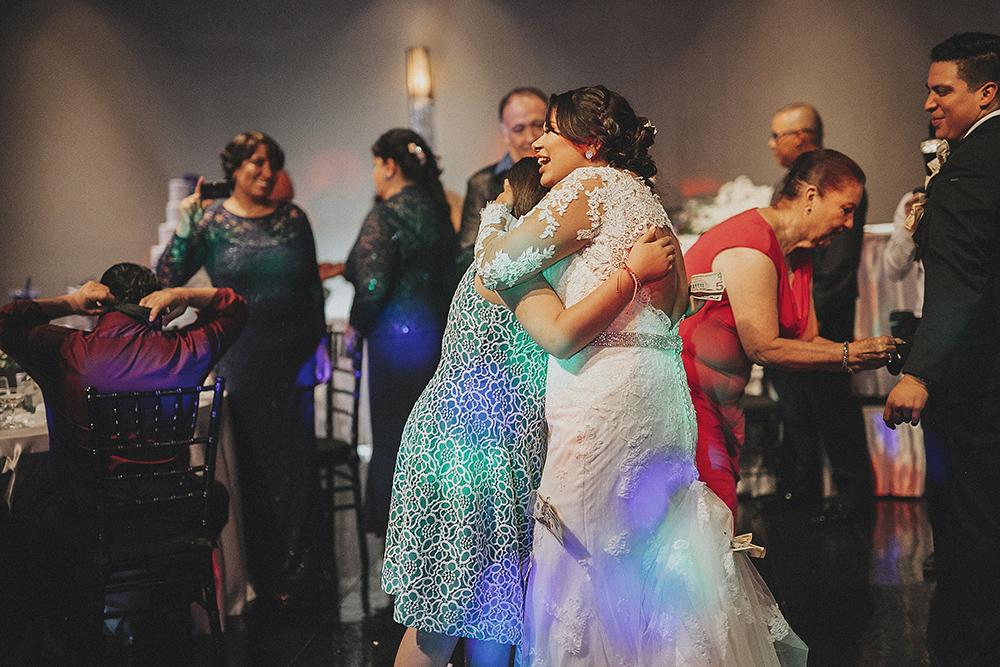 anahi_gustavo_wedding-083.jpg